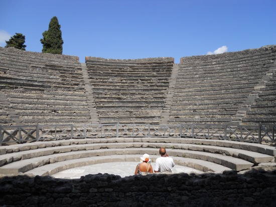 Photos of Pompeii theater - Pompeii in pictures
