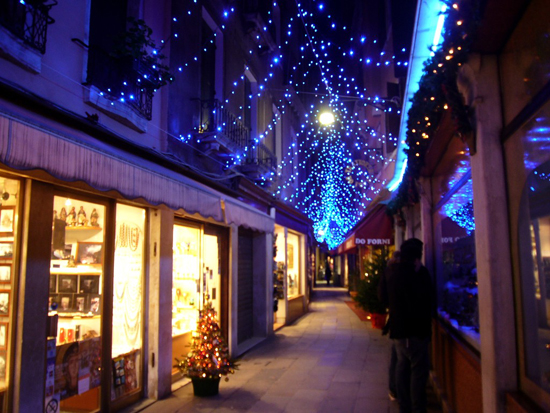 Natale a Venezia. Photo credit: beyondthebridge.wordpress.com