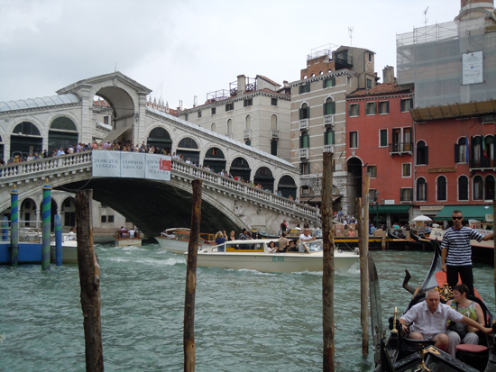 Ponte di Rialto, Photo credit: Leslie Rosa