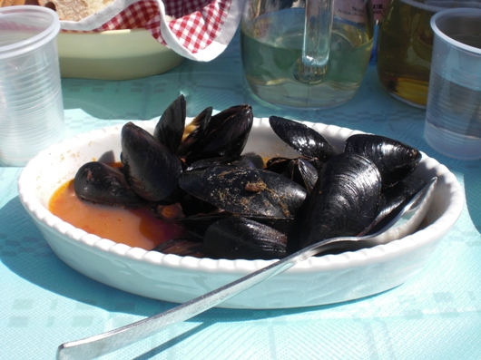 Seeigel essen in Savelletri - Peppata di Cozze