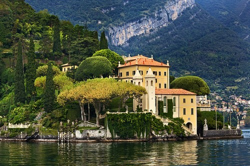 Lago di Como - Italia. Facebook photo contest by CharmingItaly.com